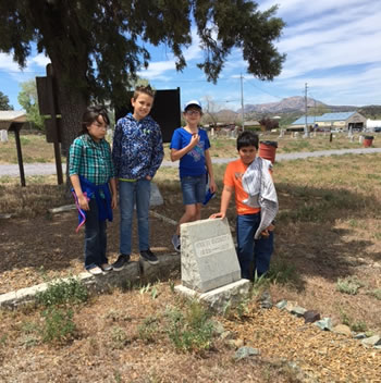 Abia Judd students visit historic Citizens Cemetery
